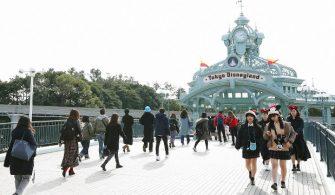 Yeni bir Koronavirüs salgını, hızlı trenler de dahil olmak üzere Japonya'daki ulaşım ve turizm sektörlerine zarar verdi
